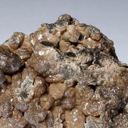 Das Vanadinit wurde erstmals von Andrés Manuel del Río Fernández entdeckt. Er nannte es aufgrund seiner rötlichen Salze Erythronium.